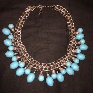Gorgeous silver tone & turquoise colored necklace